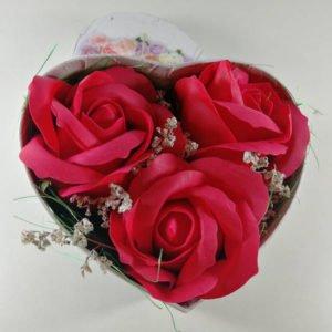 cutie cu trandafiri inimioara mica 2