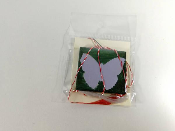 martisor lemn verde fluture mov 2