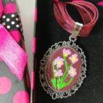 Colier flori roz 2