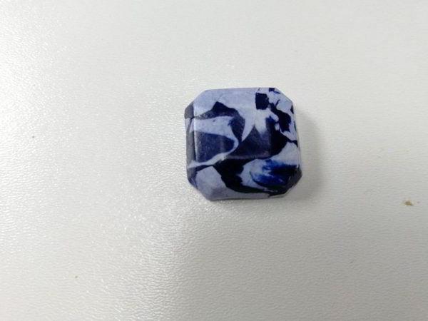 cabochon polimer patrat albastru efect marmura