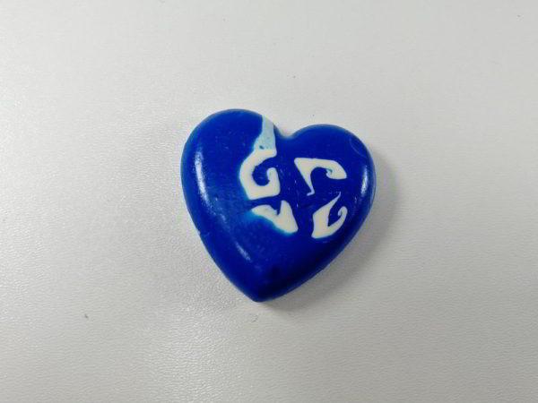 cabochon polimeric inima albastru alb