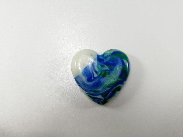 cabochon polimeric inima verde alb albastru degrade