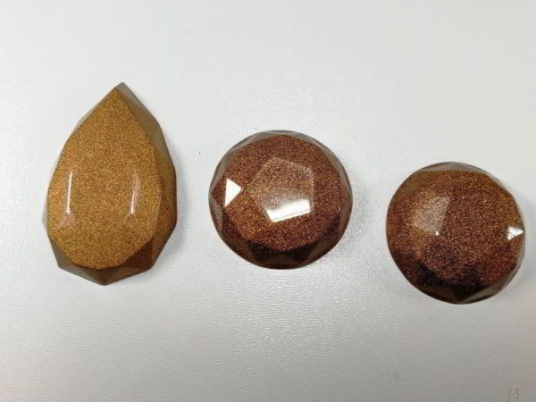 cabochon rasina set auriu maro